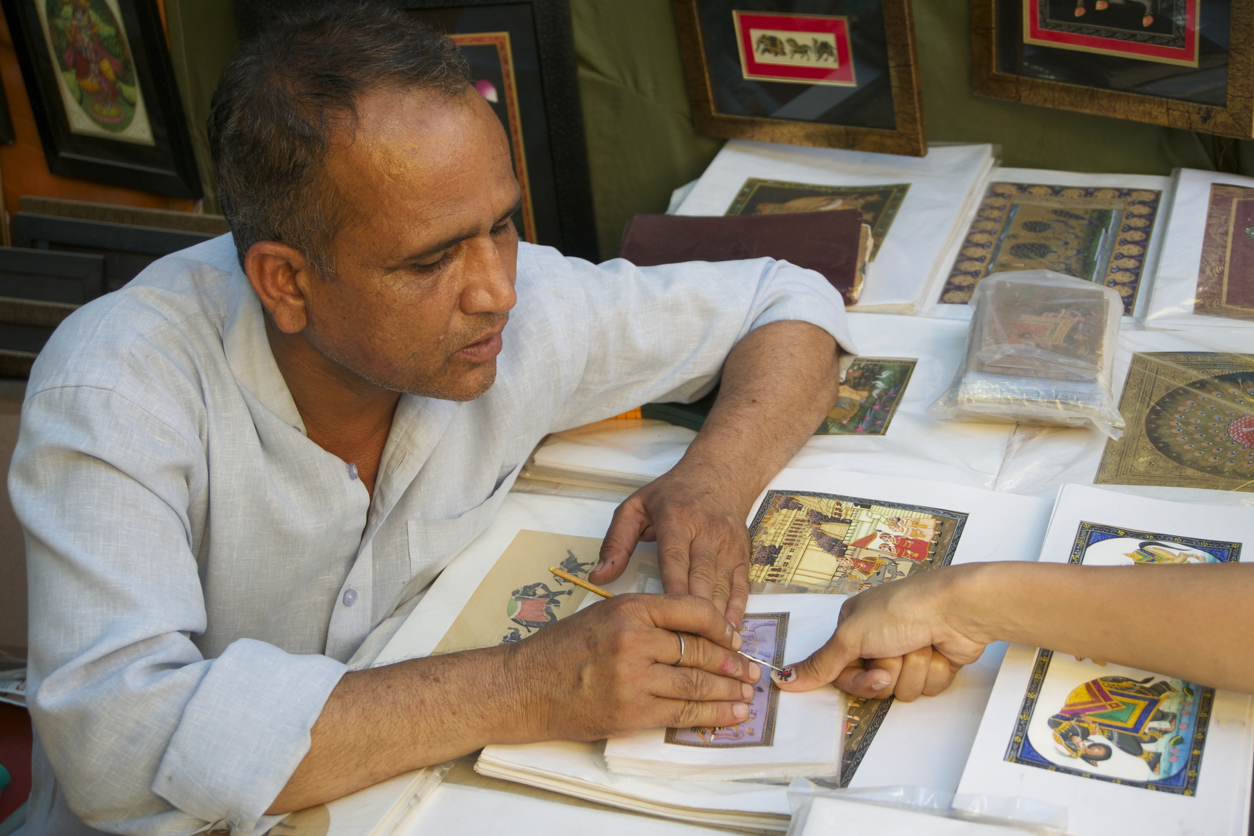 miniature painter, Delhi Haat