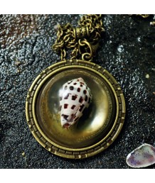 Framed-Locket-Zinc-Alloy-Metal-Base-Casting-Resin-Conus-Marmoreus